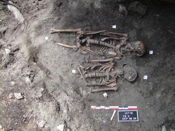 sépulture 28-29©Pole archeologique du département de l'aisne_fouille 2015