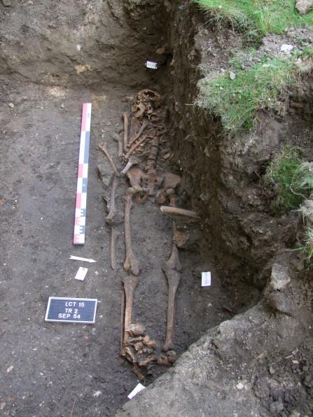sepulture 54©Pole archeologique du département de l'aisne_fouille 2015
