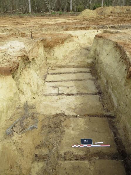 Vue d'un abri enterré destiné à loger des soldats-2©pôle archéologique/CD02