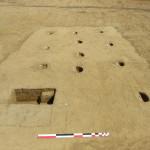 Vue d'un bâtiment sur potaux en cours de fouille ©Pôle archéologique du département de l'Aisne_fouille de Marle_Montigny-sous-Marle 2017
